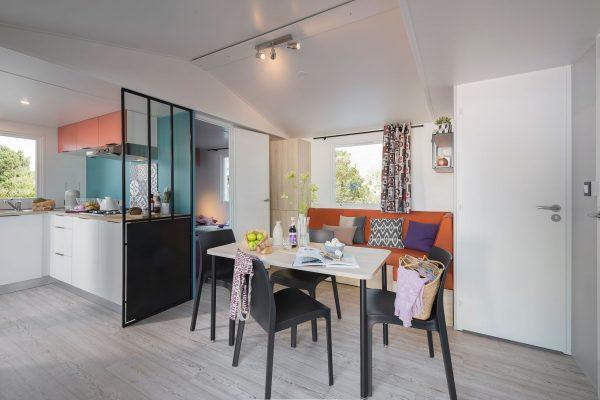Location de mobilhome 2 chambres Loire Atlantique : salon